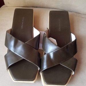 05da55b7f8b Zara Shoes - NEW ZARA BROWN LEATHER CROSSOVER STRAP SANDALS